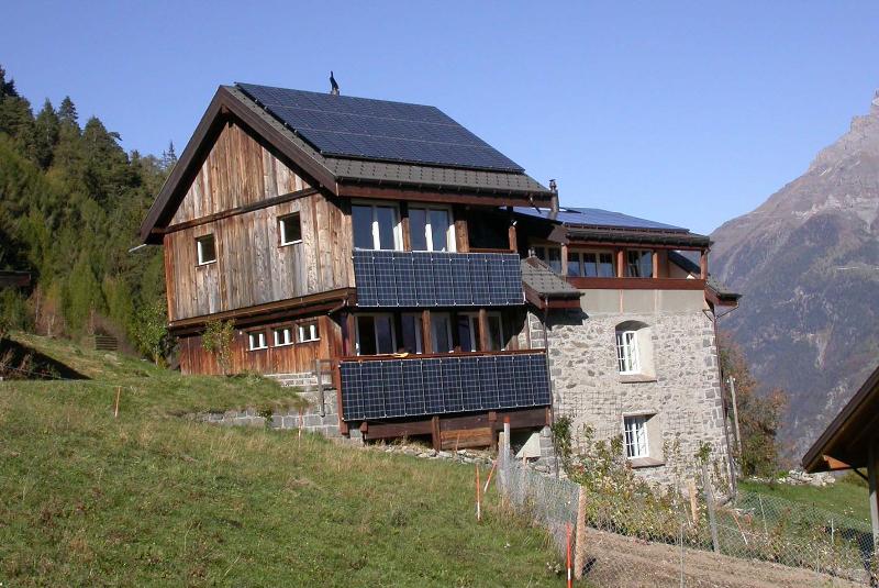 Aufdachanlage Hotel Balance Schweiz © Stromaufwaerts photovoltaik Gmbh